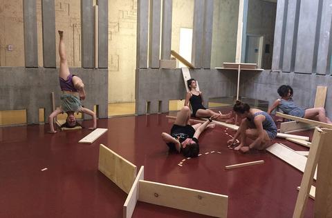 """Projet """"Camping"""" au Centre national de la danse à Pantin"""