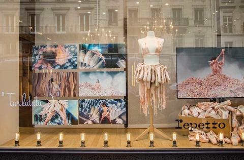 """Projet """"500 pointes"""" de Lola Perez-Guettier, Boutiques Repetto Rue de la paix et Champs Elysées"""