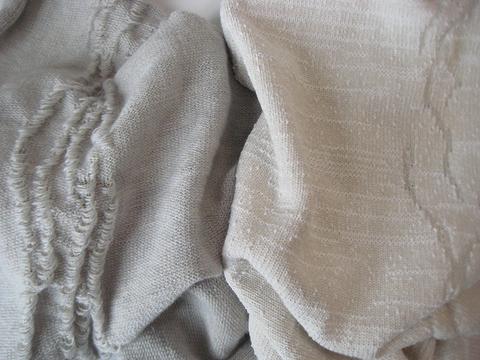 Lately : Mailles jacquard, laine-élasthanne.